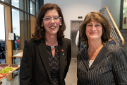 Carola Schaaf-Derichs und Regine Lorenz | Foto: Landesfreiwilligenagentur Berlin / Gregor Baumann